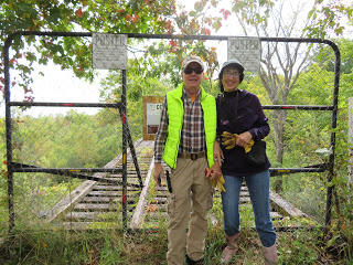 Patty and Bob Mondore at the Rivergate Trestle, courtesy of Singer Castle Blog